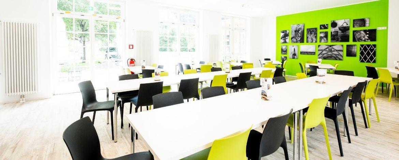 Speisesaal in der Jugendherberge Burghausen