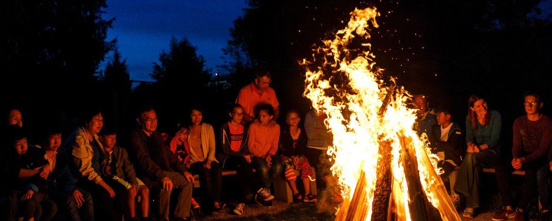 Lagerfeuer und Grillabend