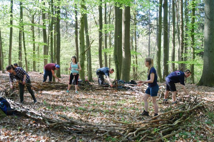 Erlebnispädagogisches Teamtraining im Wald