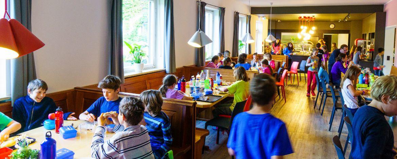 Speisesaal der Jugendherberge Kreuth