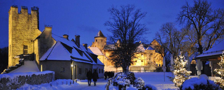 Burgweihnacht - Blick auf den Burghof
