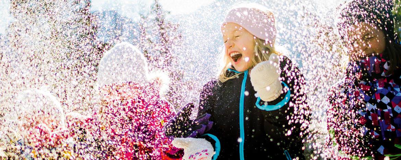 Kinder im Schnee