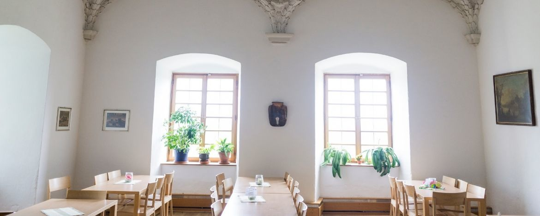Historischer Speisesaal in der Jugendherberge Saldenburg