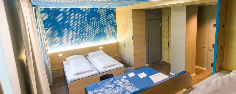 Moderne Zimmer in der Jugendherberge