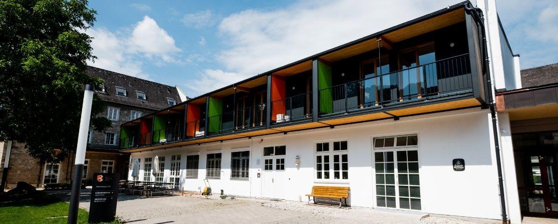 Aussenansicht von der Jugendherberge Burghausen