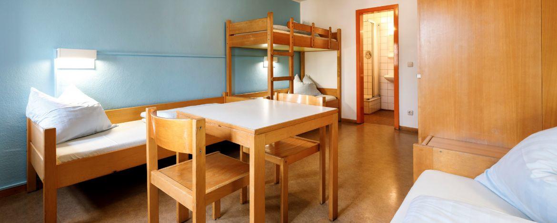 Zimmerbeispiel mit Du/WC in der Jugendherberge Regensburg