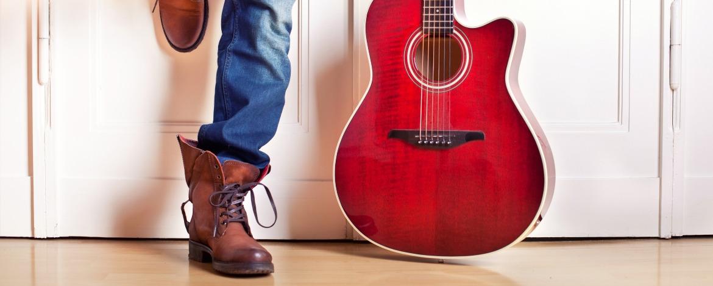 Musikprobe mit Gitarre