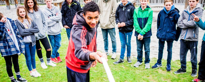 Teamaufgaben und Outdoor-Aktivitäten