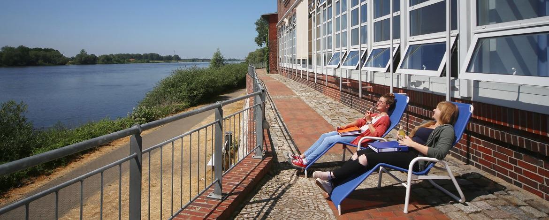 "Relaxen am Elbufer der Jugendherberge Lauenburg ""Zündholzfabrik"""