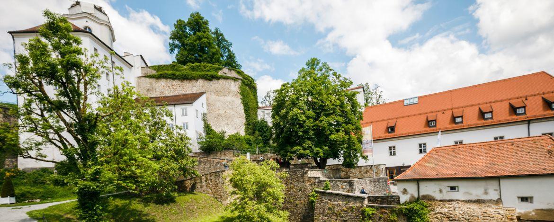 Burggräben, Schanzen und Wälle - es gibt viel zu entdecken