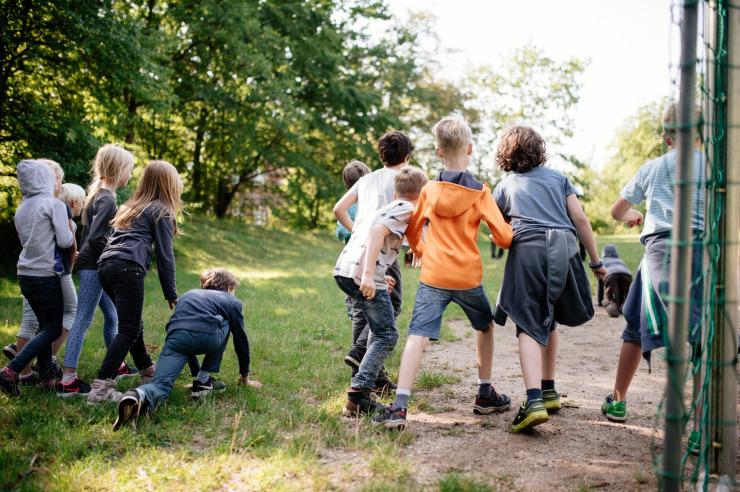 Spiele auf dem Gelände der Jugendherberge Mölln
