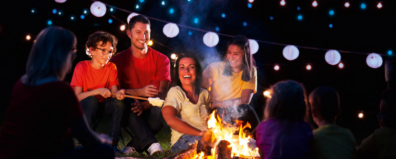 Lagerfeuerromantik in der Jugendherberge - Gemeinschaft erleben