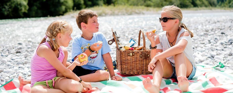 Kleine Auszeit bei einem Picknick an der Isar
