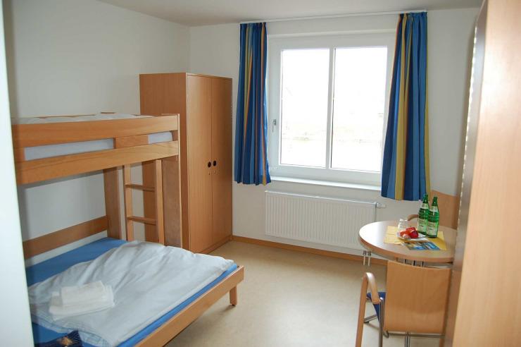 Moderne Zimmer der Jugendherberge Glückstadt