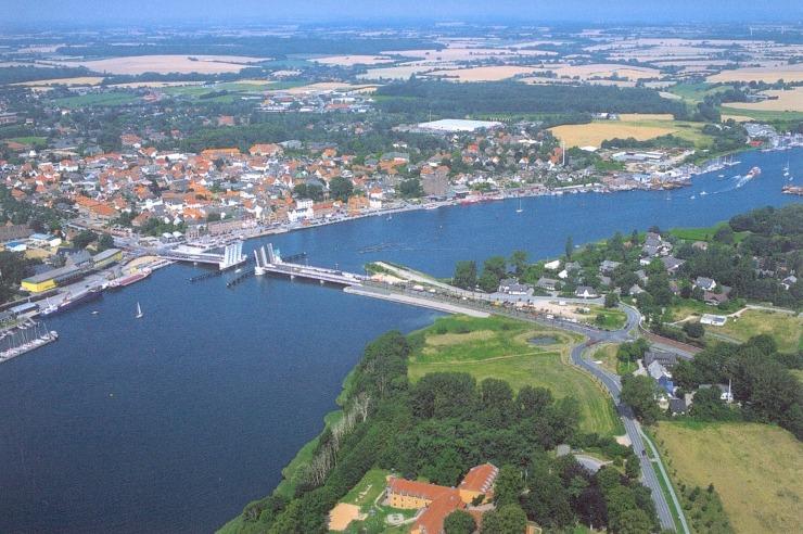 Wunderschöne Lage der Jugendherberge Kappeln direkt am Ostseefjord