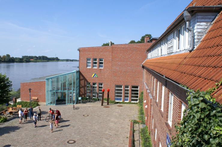 Moderne Jugendherberge Lauenburg Züdholzfabrik direkt an der Elbe