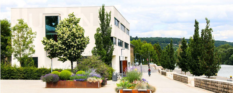 Tolle Lage der Jugendherberge Schweinfurt direkt am Main