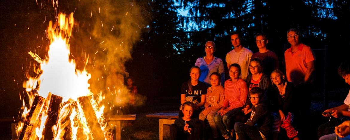 Teambuilding am Lagerfeuer