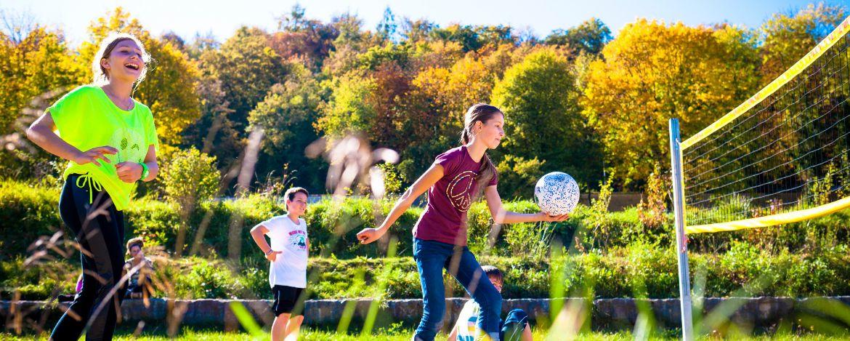 Volleyball auf dem Gelände der Jugendherberge Eichstätt