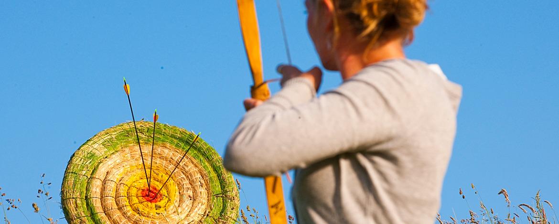 Bogenschießen im Ferienlager