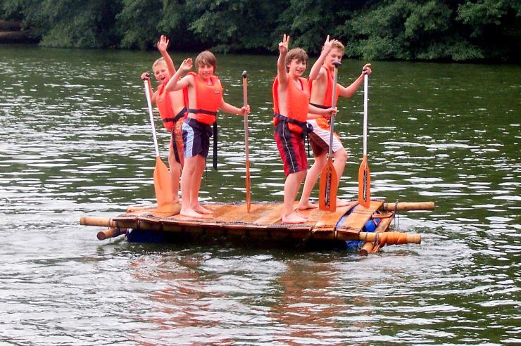Abenteuer Floßbau als Actionhighlight