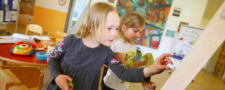 Zeichnen und Kreativaktionen in der Jugendherberge Niebüll