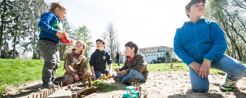 Spielplatz vor der Jugendherberge Bad Segeberg