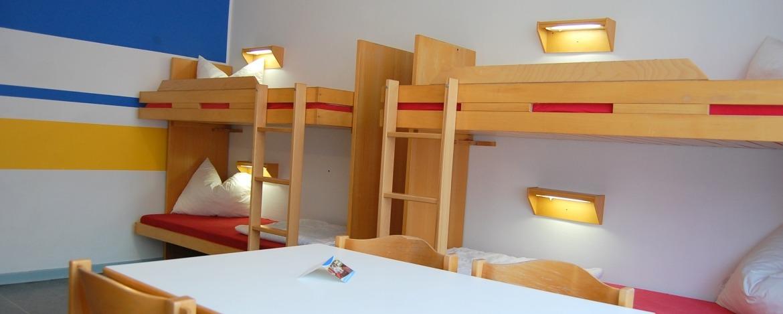 Moderne Zimmer der Jugendherberge Heide