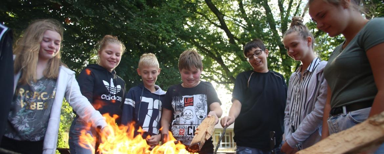 Lagerfeuer auf Klassenfahrt