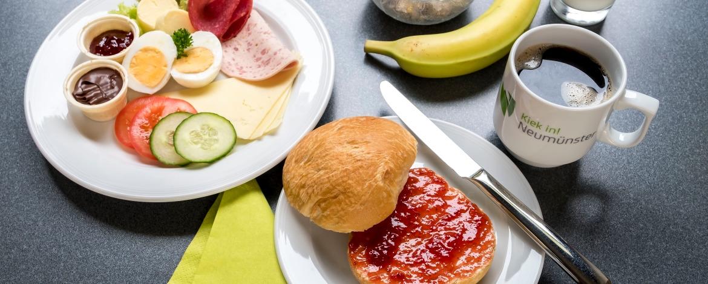 Frühstücksbuffet der Jugendherberge Neumünster