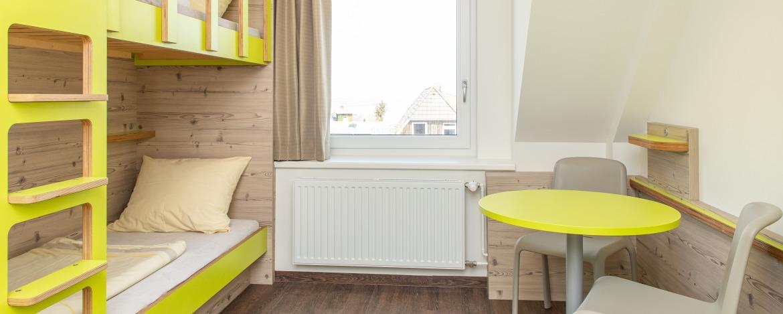 Moderne Zimmer der Jugendherberge Amrum