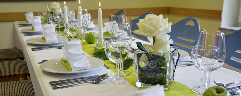 Festlich gedeckter Tisch in der Jugendherberge Bad Marienberg