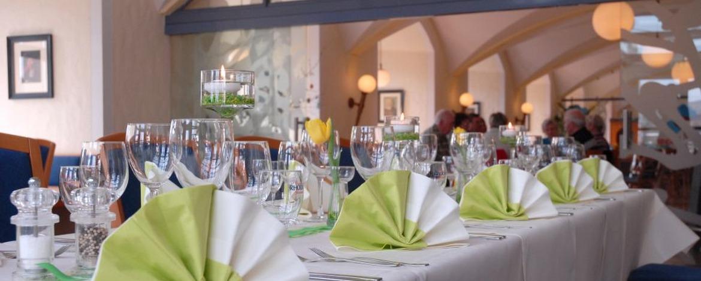Festlich gedeckter Tisch in der Jugendherberge Altleiningen
