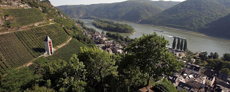 Blick von der Burg Stahleck auf Bacharach