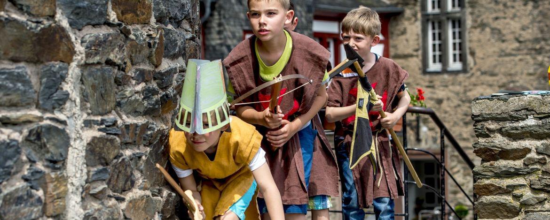 Ritterspiele in der Jugendherberge Bacharach