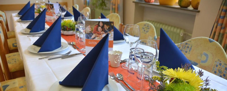 Festlich gedeckter Tisch in der Jugendherberge Daun