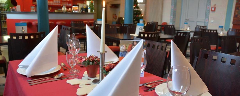 Festlich gedeckter Tisch in der Jugendherberge Diez