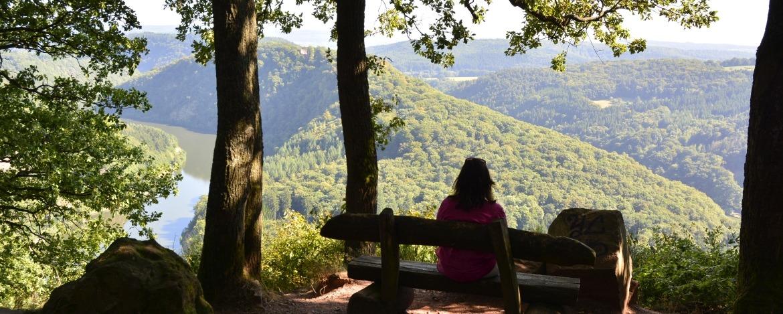 Wanderpause oberhalb der Saarschleife