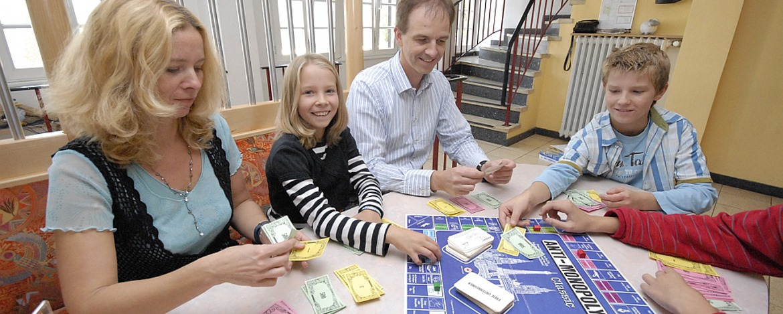 Gesellschaftsspiele in der Jugendherberge Hermeskeil