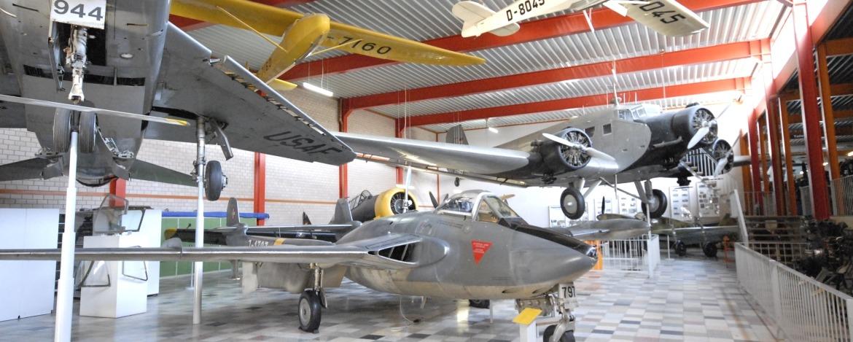 Flugzeugausstellung