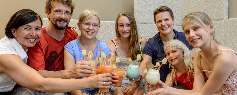 Familie beim Wandern