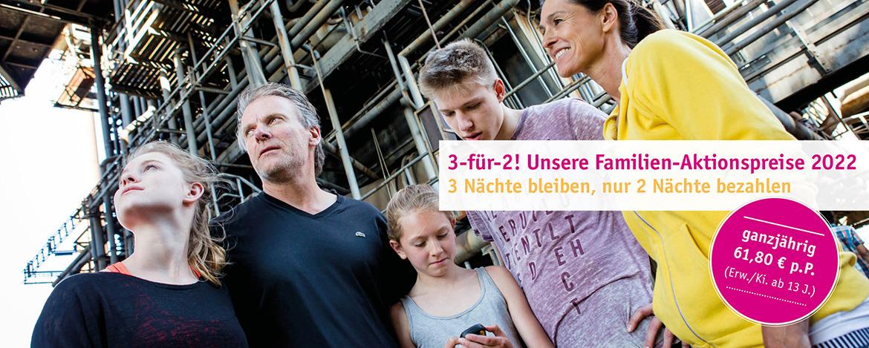 Mädchen mit Bogen bei der Ferienfreizeit Action Cam Hero der Jugendherberge Duisburg Landschaftspark.