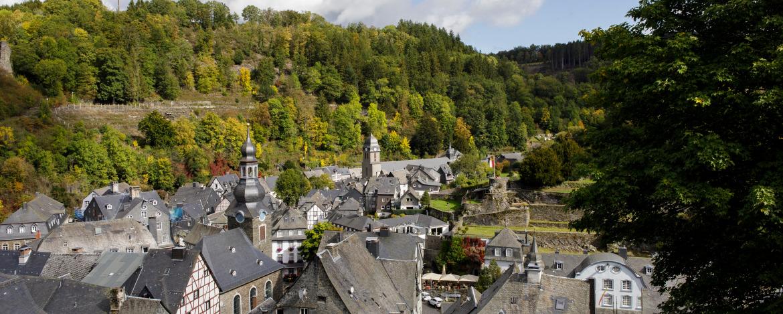 Außenansicht der Jugendherberge Burg Monschau
