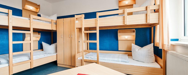 Volleyballspielen in der Sporthalle