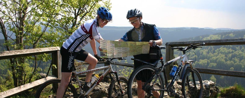 Mit dem Mountainbike an den Hahnenkleeklippen