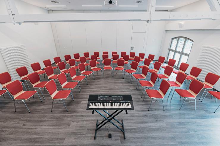 Seminarraum mit Bestuhlung in U-Form