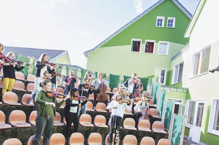 Musikprobe im Amphitheater der Jugendherberge Bad Honnef