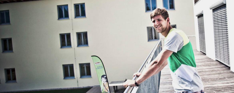 Die Seminarpause auf dem Balkon der Jugendherberge Bad Tölz verbringen