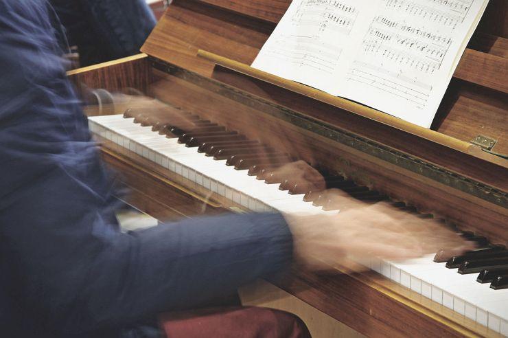 Klavierspiel in der Jugendherberge Burg Blankenheim