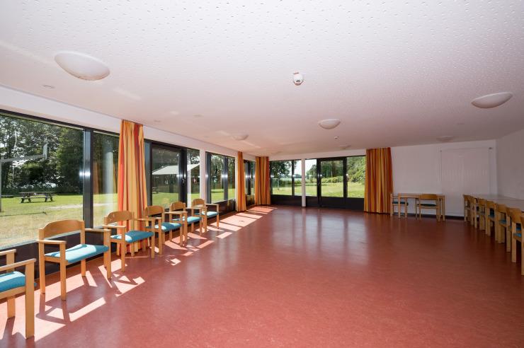 Großer Tagungsraum mit Seeblick für Seminare und Musikfreizeiten